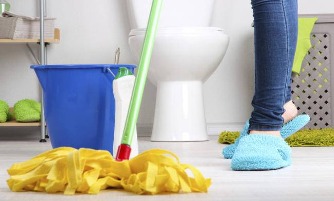 7 Trucos para limpiar el baño al toque